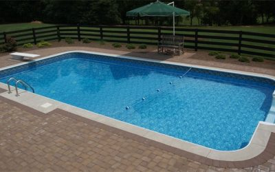 What pool material should you choose?