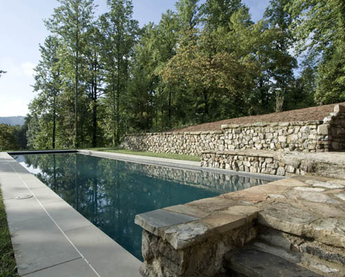 11 reasons to renovate a swimming pool
