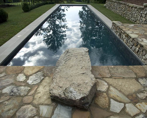 What temperature should the pool water be?