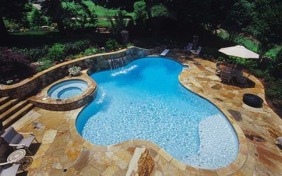 What is a vinyl liner pool?