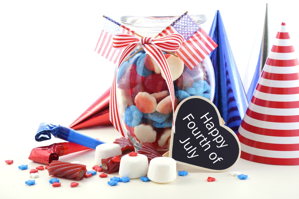 How to host a July 4 pool party